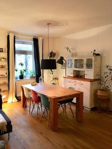 Bright cosy cheerful 2 room flat in good location