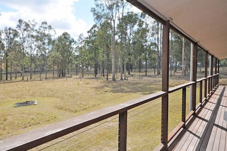 Loxley Cottage on Lovedale, Hunter Valley - modern build, wifi, close to everything
