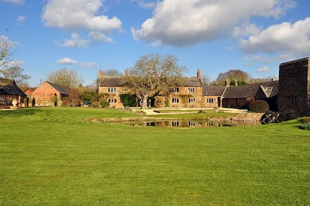 17th Century Manor House with indoor pool & tennis - Warwickshire - 獨棟