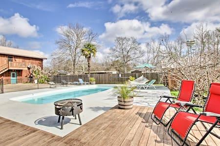 Waterfront Butte La Rose Home w/ Private Pool!