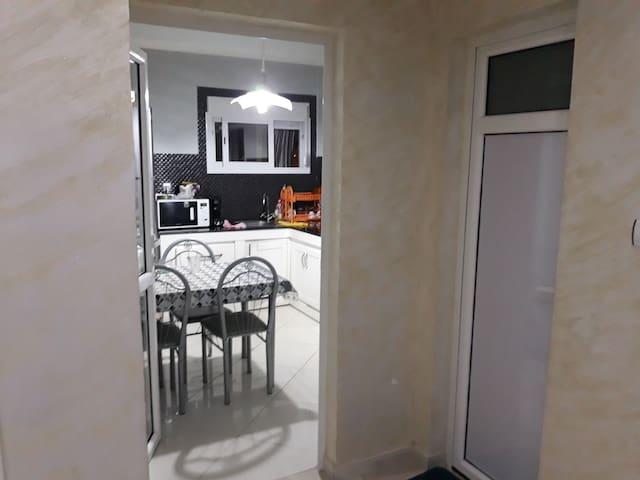 Location Appartement (AKID LOTFI) ORAN + wi-Fi