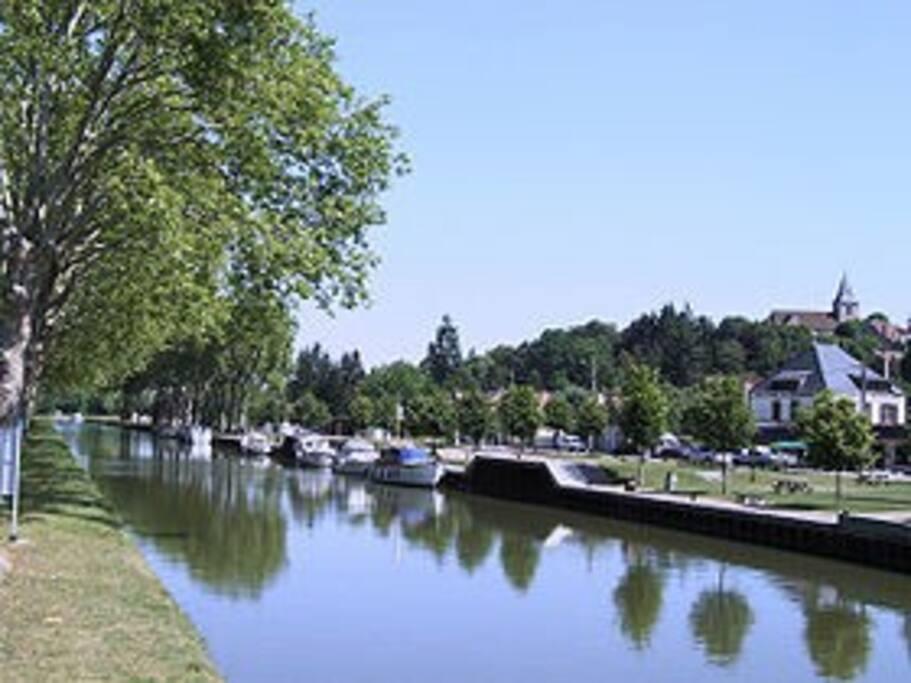 vu du canal de Briare