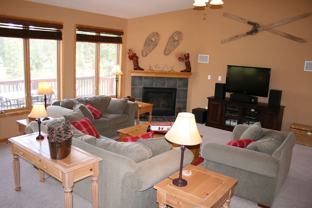 Great room, gas fireplace, large TV with DISH