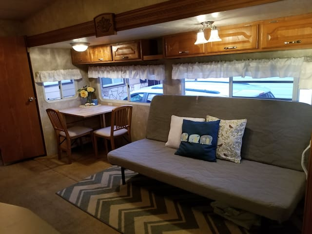 Spacious Cowles Mt. RV with AC and yard, sleeps 6