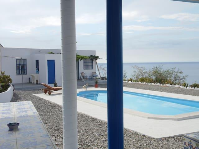 Exclusiva casa frente al mar - Adra