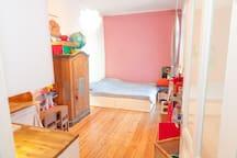 Bedroom II (200x200cm)