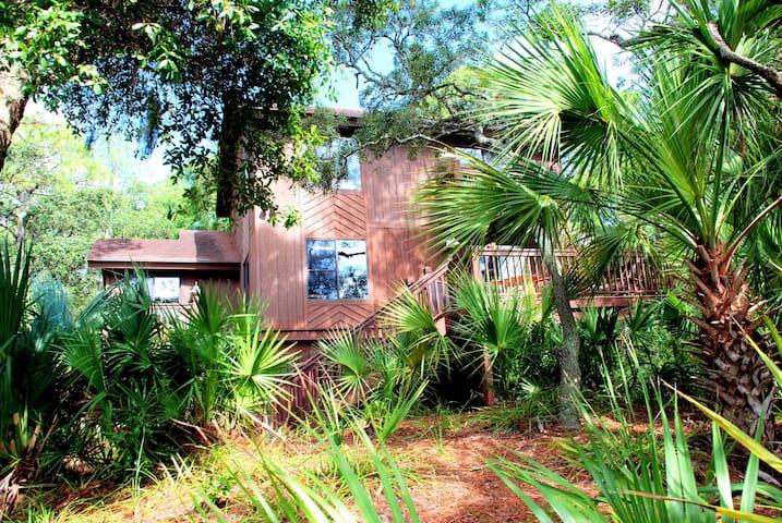 Marsh front home on Fripp Island