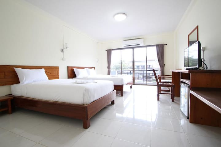 1.Aonang  memory apartment (2Bed for 3 person)