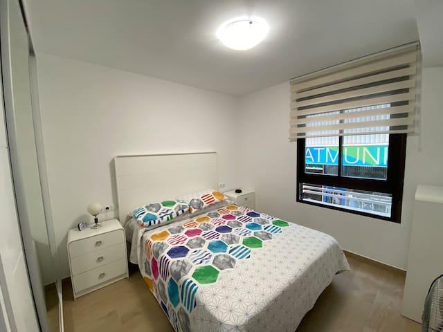 Habitación principal cama matrimonio 150x 190