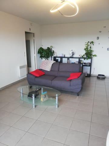 Bel appartement à 20 min de la mer