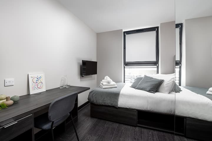 Newly refurbished Stylish Studio in Acton Town