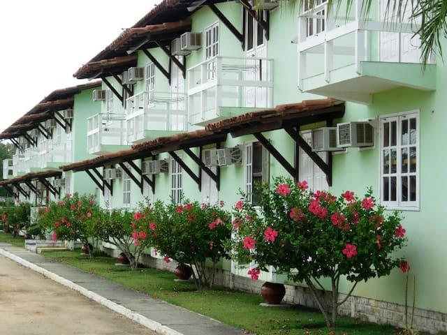 Apartamento 2 quartos em condomínio - Porto Seguro