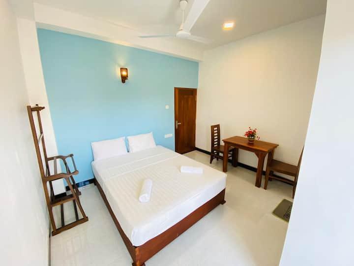 Little Paradise Room 09