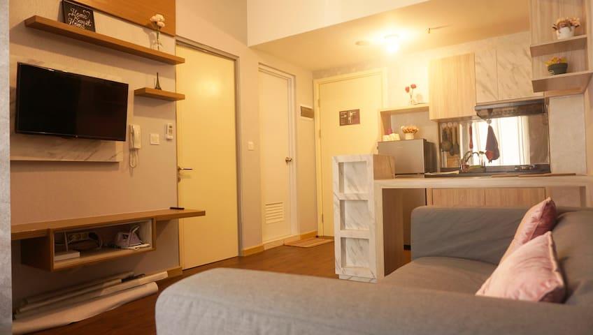 Nice 2BR Family Room @Midtown Gading Serpong(WIFI)