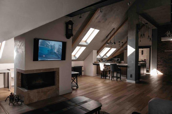 Дизайнерская квартира на мансарде центр Краснодара