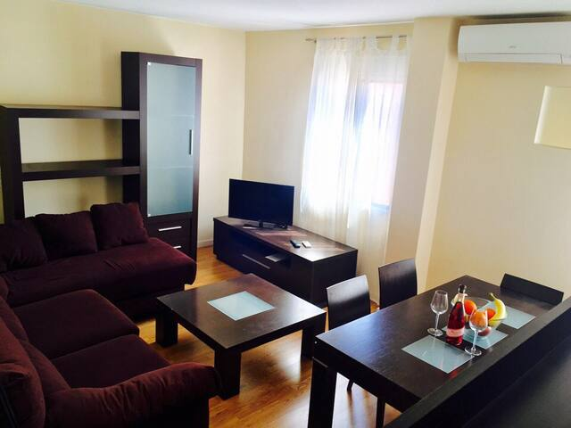 Very nice apartment with comfortable facilities :)