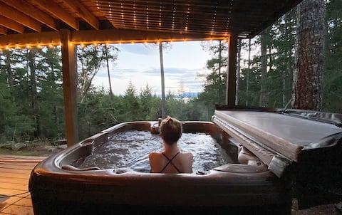 Deacon Hill Oceanview Hot Tub Suite, on 10 Acres