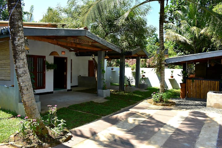 Quality rooms in peacfull area near Polwatha river