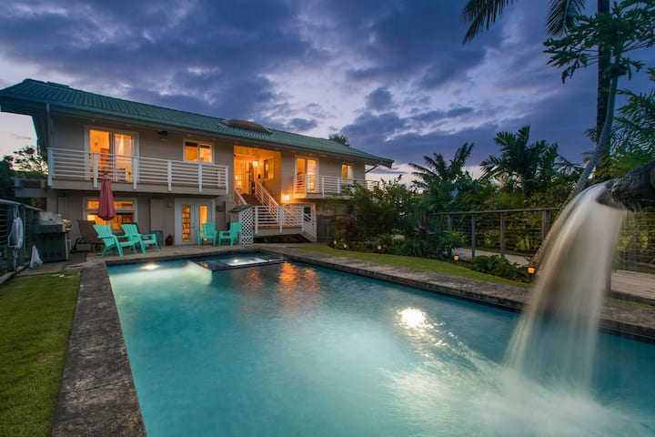 Tropical and Elegant. Private pool & Spa. Sleeps 8