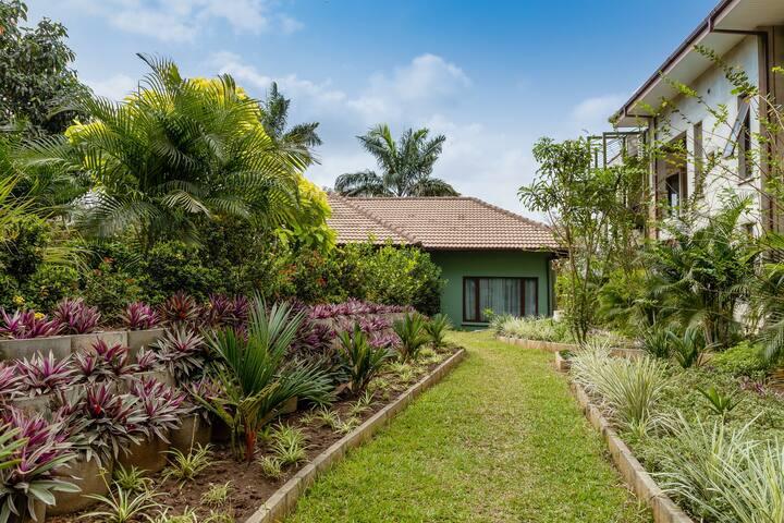 Honeymoon Garden Chalet 101