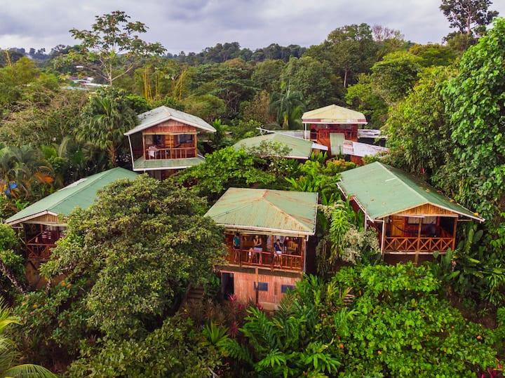 Garden View Bungalow - A/C - Drake