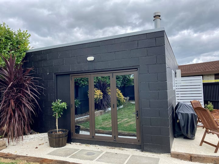 The Garage Project - Brand new Guesthouse