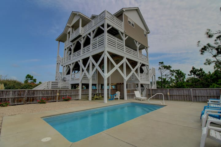 Mariner's Star Five Bedroom Home in Nags Head with Private Pool and Hot Tub