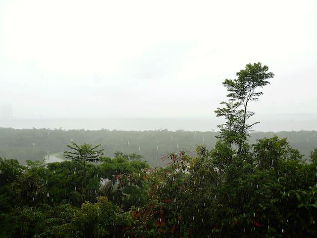 Kasabaré (casa coletiva na Amazônia) - RDS do Tupé