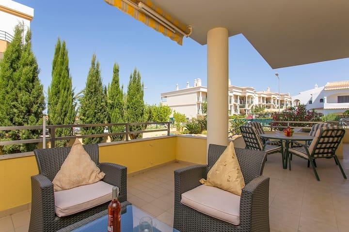 Apartment in Guia, Albufeira, Central Algarve