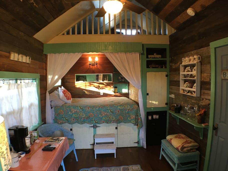 Cottage on Hale - 1/1 Cottage - Bed & Breakfast zur Miete ...