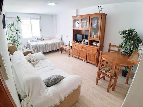 One bedroom light flat, 5 min walking to the beach