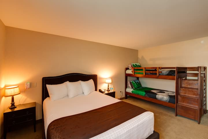2 Room Family Suite at Boutique Hotel-No add Fees