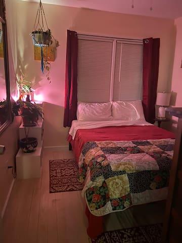 "The ""Garden"" Room - double bed"