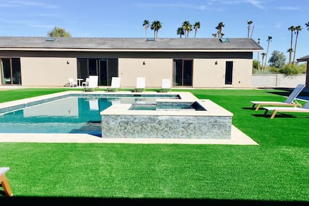 Modern Pool/Spa side Guest house 2bd/2ba - Paradise Valley - Maison