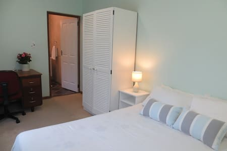 Durbanville Stay, convenient, comfortable living. - Cape Town