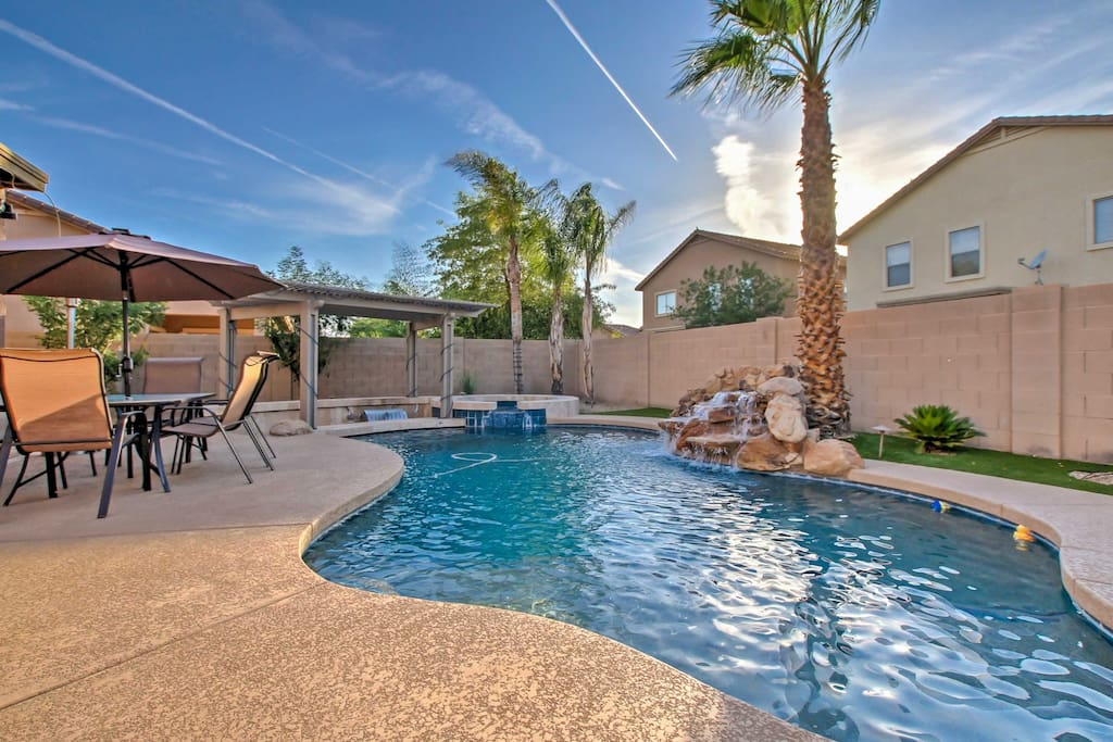 The backyard is your private oasis in San Tan Valley!