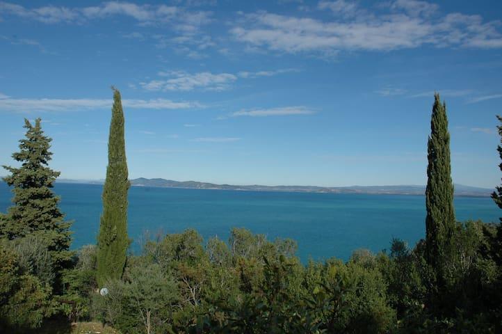 villino con ampio giardino vista splendida - Porto Santo Stefano - Villa