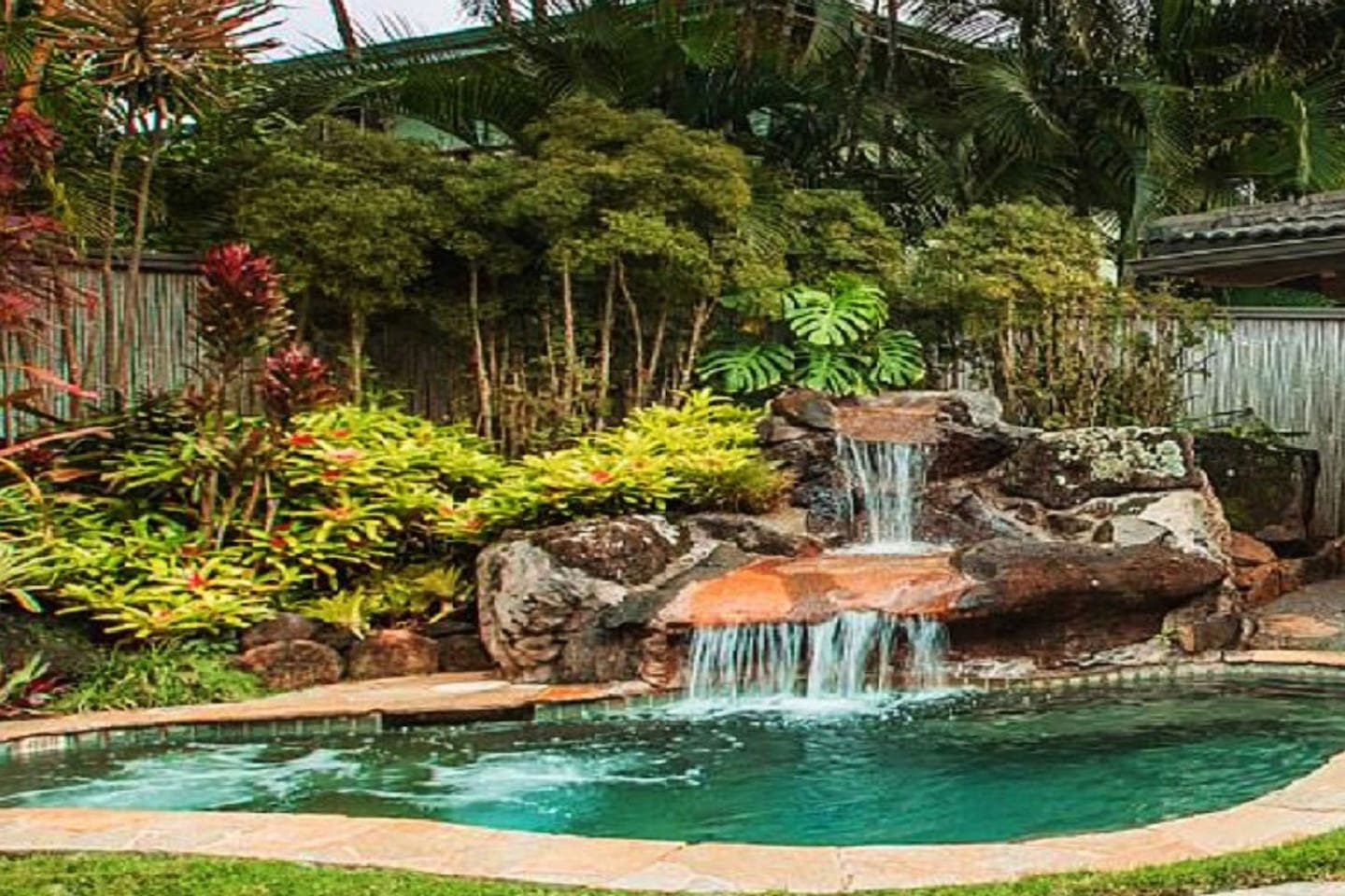 Tropical Zen Oasis - Waterfall Jacuzzi -Peaceful - Houses for Rent ...