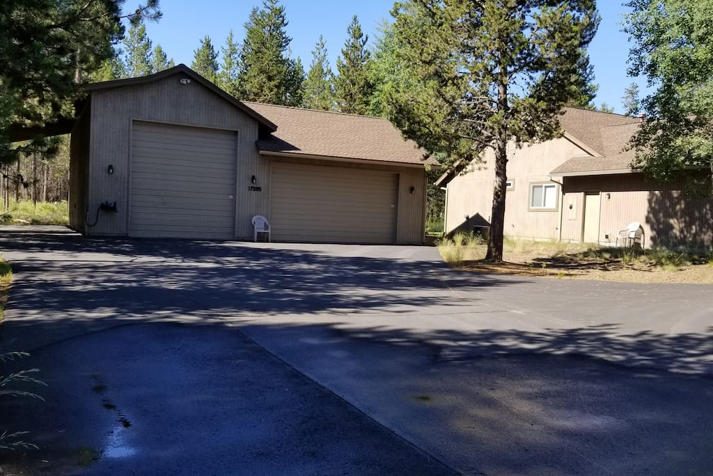Large Driveway for Boats, Campers or up to 2 Large RV's in Summer