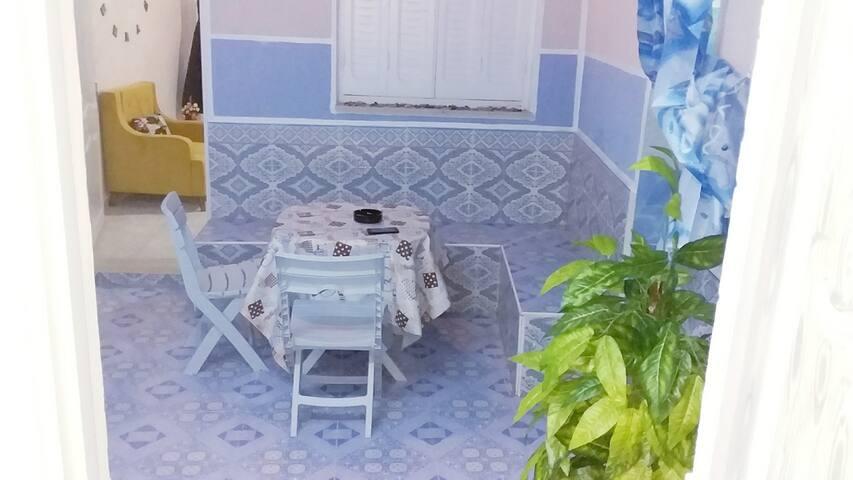 Studio intime prés de la mer, rez-de-chaussée