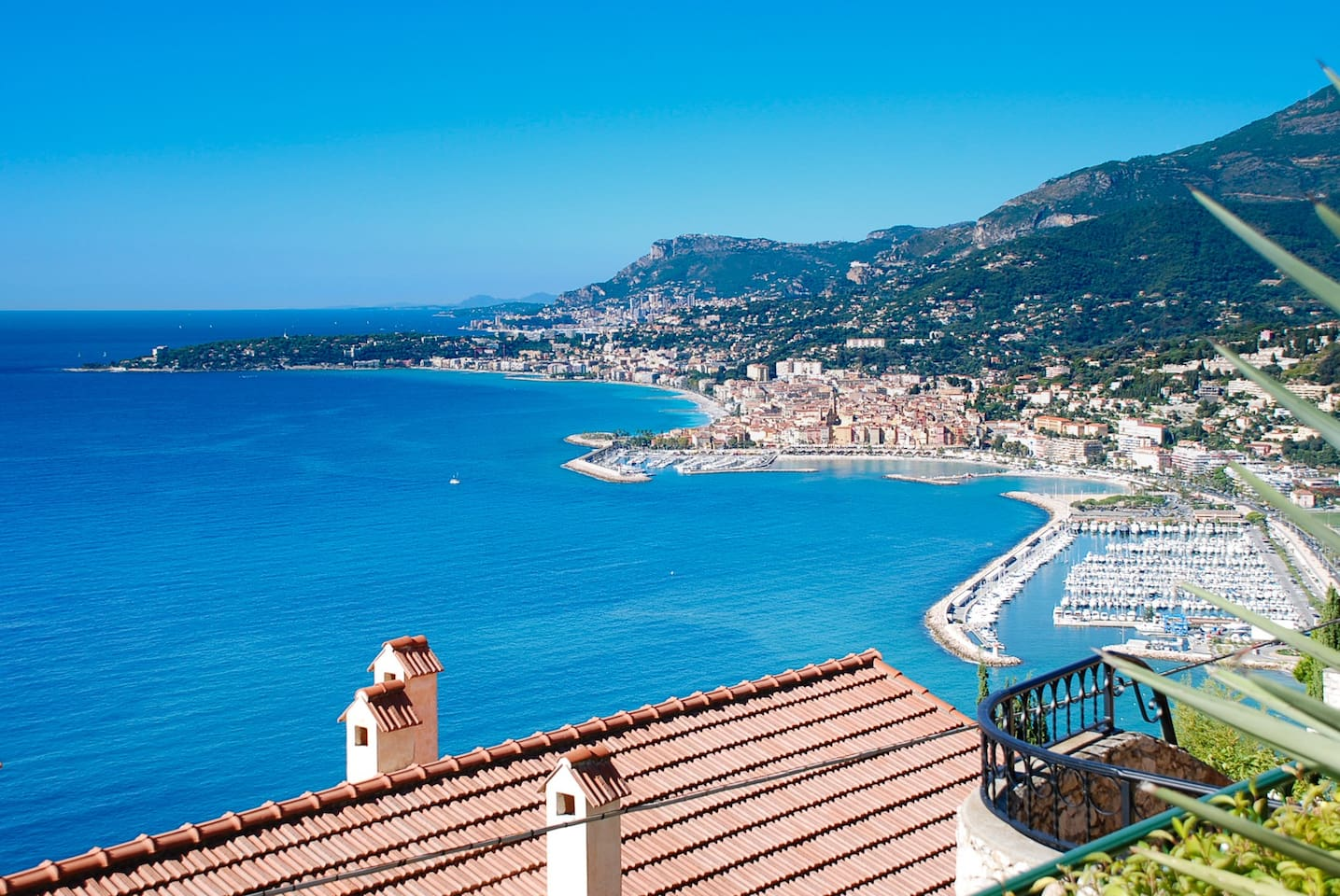 Fabulous sea views from the house. Menton and Monaco