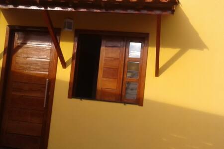 Casa na Chapada Diamantina-no centro de ibicoara.