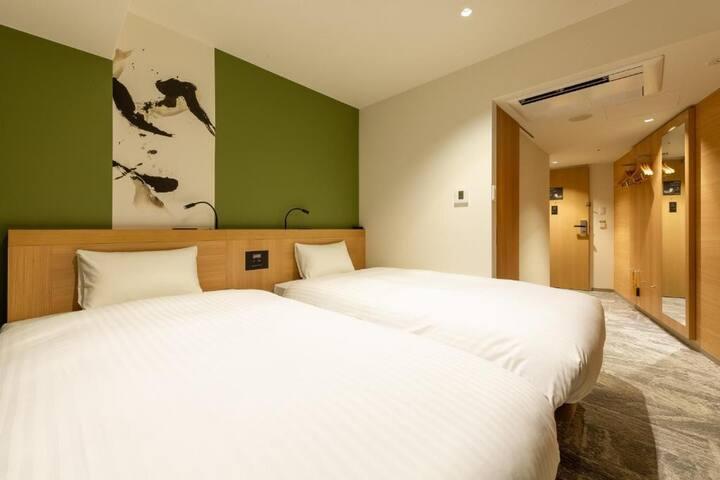 Twin Room/1 guest/NoSmoke/Breakfast