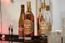 Try good Cuban Rum!   ¡Pruebe un buen Ron Cubano!
