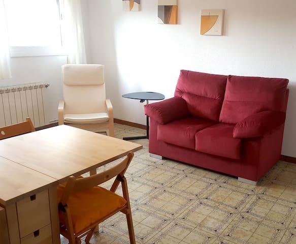 Apartment UNIVERSIDAD (UAB) 20 'BARCELONA