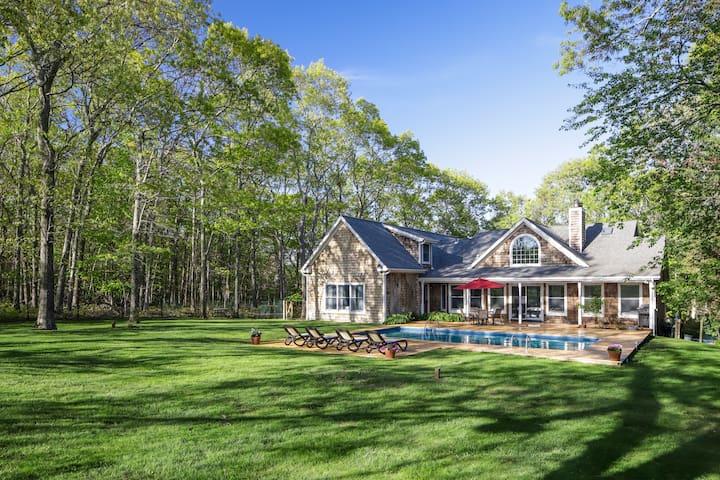 Amazing Hampton's Styled Getaway