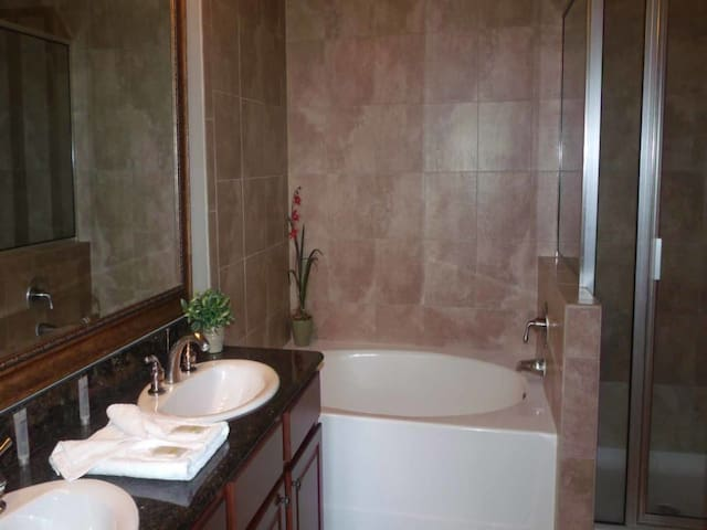 This is a Condo property, fully furnished, with a full kitchen, and has all linens and towels, located at Bella PiazzaCommunity. - DAVENPORT