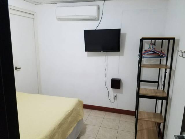 Cuarto 1 / Room 1