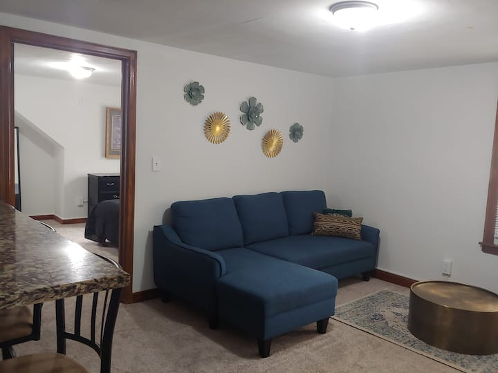 Updated Upper unit Apt near Beaver Lake