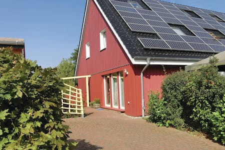 Semi-Detached with 3 bedrooms on 77m² in Wahrstorf